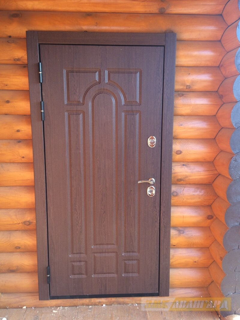 входная дверь для таунхауса